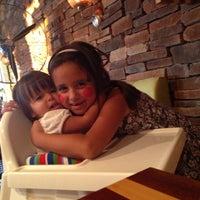 9/21/2013 tarihinde Zeynep C.ziyaretçi tarafından Charming'de çekilen fotoğraf