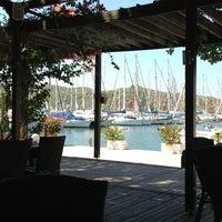 Foto tomada en Mod Yacht Lounge por Zeynep C. el 8/10/2013