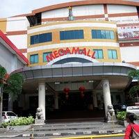 Foto diambil di Mega Mall oleh Lusye R. pada 5/31/2013