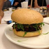 4/5/2013에 Midietavegana님이 La Castanya Gourmet Burger에서 찍은 사진