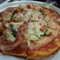 Foto tomada en Ciao Bella Pizza por Omar H. el 12/13/2012