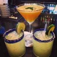 รูปภาพถ่ายที่ Iron Cactus Mexican Restaurant and Margarita Bar โดย Melanie🌀 K. เมื่อ 5/12/2013