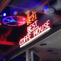 Снимок сделан в Best Coffee House пользователем Dilan 6/23/2013