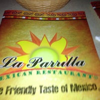 Foto tomada en La Parrilla Mexican Restaurant por Melissa H. el 1/21/2013
