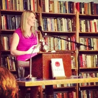 Foto scattata a Elliott Bay Book Company da Tina W. il 9/18/2012