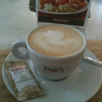 0bb2a39a810 ... Foto tirada no(a) Fran amp  39 s Café por Juliana H ...