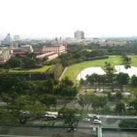 2/11/2013 tarihinde Shawn L.ziyaretçi tarafından Manila Hotel'de çekilen fotoğraf