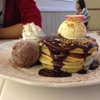 Foto diambil di Pancake Café oleh por p. pada 4/18/2013