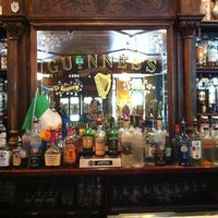 Foto scattata a James Joyce Irish Pub da Ben-David K. il 7/14/2012