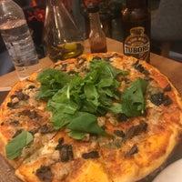 9/22/2018 tarihinde Fatma S.ziyaretçi tarafından Zucca Pizza'de çekilen fotoğraf