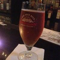 Photo prise au Caledonia Bar par Aneesh S. le5/17/2013