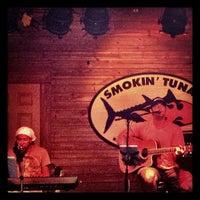 7/10/2013 tarihinde Loganziyaretçi tarafından Smokin' Tuna Saloon'de çekilen fotoğraf
