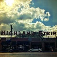 Снимок сделан в The Highland Strip пользователем Logan 4/18/2016