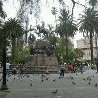 Foto tomada en Plaza 9 de Julio por Cynthia S. el 10/14/2013