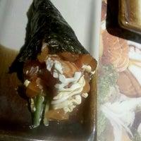 Foto tirada no(a) Sashiburi Sushi House por Thais C. em 4/25/2013