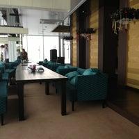 Снимок сделан в Ресторан Лагуна пользователем Lena G. 12/26/2012