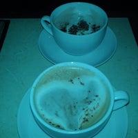 Foto tirada no(a) La Revanche café-pub ludique por Amanda S. em 3/15/2015