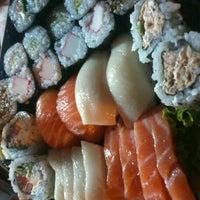 Foto tirada no(a) Kumo Sushi por Maiara M. em 3/3/2013