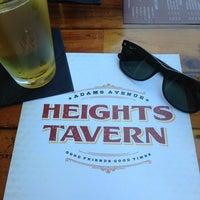 Das Foto wurde bei Heights Tavern von Michael L. am 3/31/2013 aufgenommen