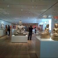 Das Foto wurde bei The Art Institute of Chicago von Weird Woman am 2/24/2013 aufgenommen