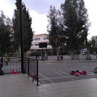 Das Foto wurde bei Mehmet Seniye Ozbey İlkogretim Okulu von Deniz S. am 3/14/2013 aufgenommen