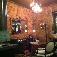 Снимок сделан в Lenox Coffee пользователем Hannah E. 12/12/2012