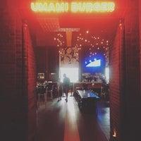 Foto tirada no(a) Umami Burger por A. A. em 9/2/2018