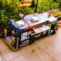 Foto diambil di Urban Grill Food Truck oleh Urban Grill Food Truck pada 9/26/2013