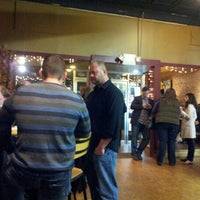 Foto tomada en Stomping Grounds Coffee & Wine Bar por Scott S. el 1/27/2013