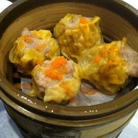 Снимок сделан в Super Star Asian Cuisine пользователем Theo S. 10/12/2013
