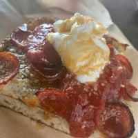 Foto scattata a Apollonia's Pizzeria da Janet il 11/17/2019