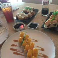 Снимок сделан в Sushi Co пользователем Ricky F. 12/14/2012