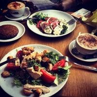 Снимок сделан в Boulangerie пользователем Anyuta B. 6/13/2013