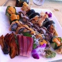 6/30/2013 tarihinde Jen C.ziyaretçi tarafından Kyoto Sushi Bar'de çekilen fotoğraf