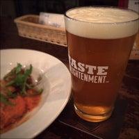 Das Foto wurde bei World Beer Pub & Foods BULLDOG von Tadashi M. am 10/5/2015 aufgenommen