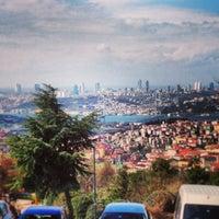 Foto scattata a Desde Cafe & Restaurant da Rıdvan A. il 3/10/2013