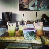 รูปภาพถ่ายที่ Juice Drinkers โดย HECA เมื่อ 3/14/2013