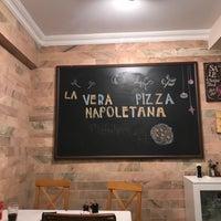 Foto scattata a Pizzeria Il Pellicano da Dilara Ö. il 2/6/2018