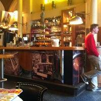 5/26/2013에 Neri💕님이 Café Daniel Moser에서 찍은 사진