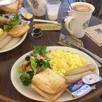 Снимок сделан в The Coffee Bean & Tea Leaf пользователем Manne Chen® 3/29/2017