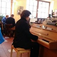 Cafe Im Hinterhof Haidhausen Sud 18 Tipps Von 322 Besucher