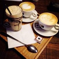 รูปภาพถ่ายที่ OR Coffee Bar โดย Ellen V. เมื่อ 10/7/2014