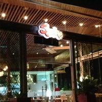 รูปภาพถ่ายที่ Shaka Restaurant Bar & Cafe โดย Emre E. เมื่อ 7/17/2013