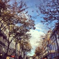 รูปภาพถ่ายที่ Mariahilfer Straße โดย Shawien O. เมื่อ 10/12/2013
