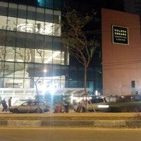 Foto tirada no(a) Golden Square Shopping por Demétrius A. em 10/22/2013