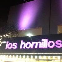 รูปภาพถ่ายที่ Los Hornillos โดย Maggie T. เมื่อ 5/30/2013