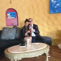 2/9/2013 tarihinde Lonnie's Arts G.ziyaretçi tarafından Bacchus Coffee & Wine Bar'de çekilen fotoğraf