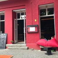 8/10/2013 tarihinde Nanu B.ziyaretçi tarafından Gloria Resto-Bar'de çekilen fotoğraf