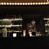 8/8/2013 tarihinde Nanu B.ziyaretçi tarafından Gloria Resto-Bar'de çekilen fotoğraf