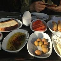 1/29/2013 tarihinde Nilgül Y.ziyaretçi tarafından Derekahve Cafe&Restaurant'de çekilen fotoğraf